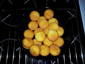 Muffins aux cerises dans Desserts Muffins-aux-cerise-300x225